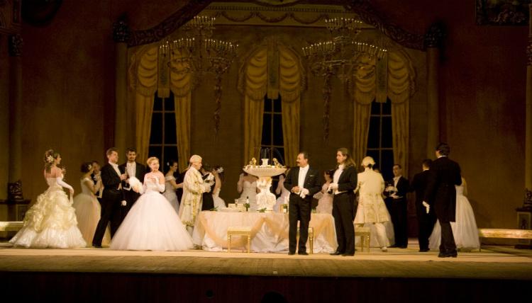 image of Ellen Kent's production of La Traviata