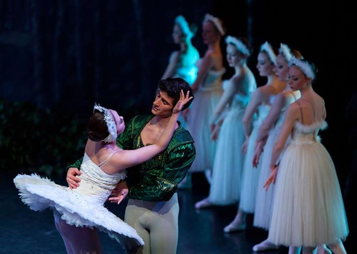 In Review: Swan Lake by Manchester City Ballet (Northern Ballet School)