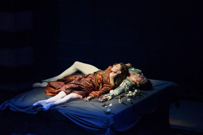 image of Alina Cojocaru and Isaac Hernandez in Romeo and Juliet. Image courtesy Bill Cooper. English National Ballet.