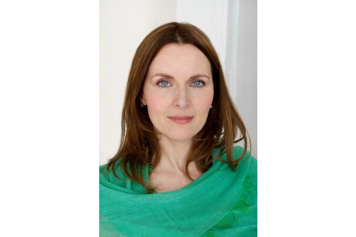 Debra Stephenson (credit Karen Fuchs)