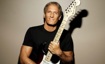 Michael Bolton performs at Manchester Opera House