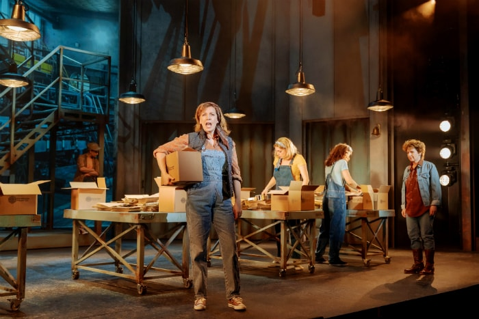 An Officer and a Gentleman comes to Manchester Opera House in August - image courtesy Manuel Harlan