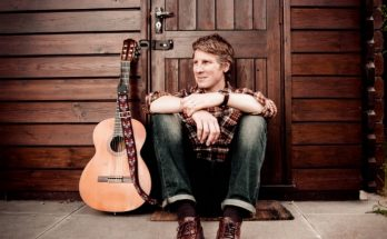 Scott Matthews performs at Band on the Wall Manchester