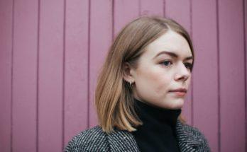 Manchester singer songwriter Chloe Foy