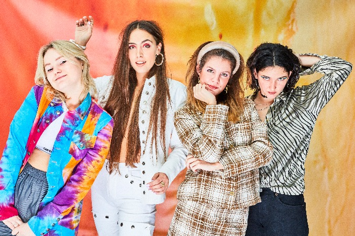 Hinds announce Manchester Academy gig