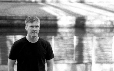 Premiere: Listen to Ben Williams' new track Staring At My Phone