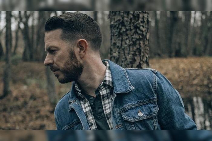 Manchester artist Gary Quinn releases new single Nobody Somebody